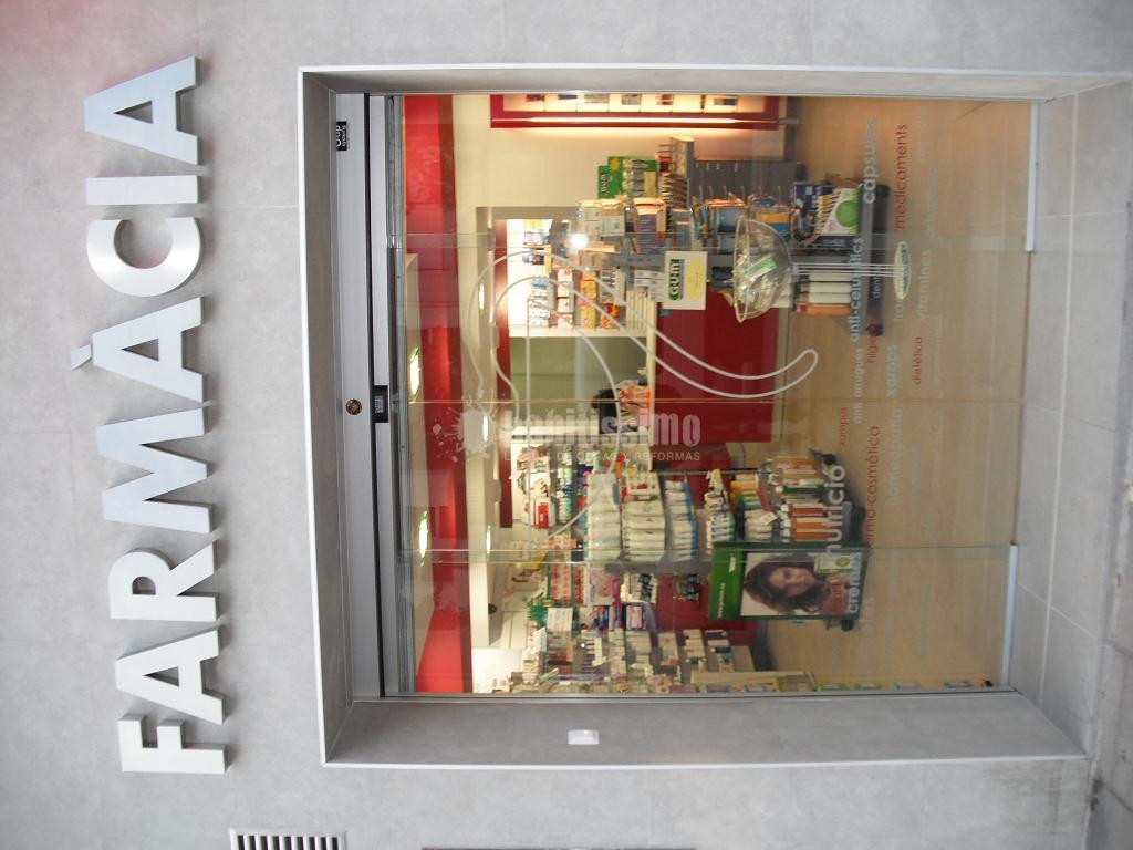 Reforma y decoraci n de farmacia ideas reformas locales for Decoracion de farmacias