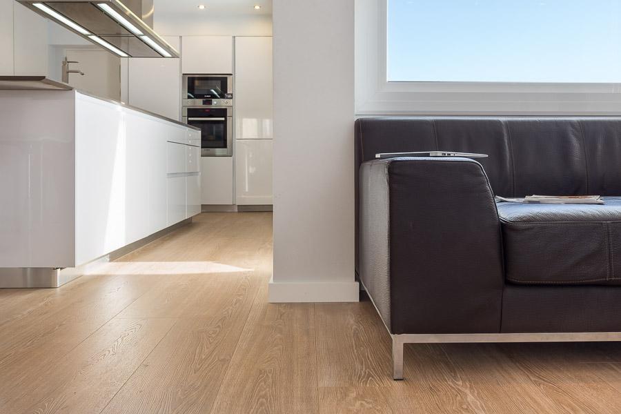 Instalaci n de parquet laminado en una vivienda de 85 for Instalacion de parquet