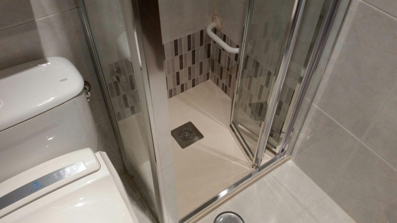 Cambio de plato de ducha por plato de ducha antideslizante for Ducha antideslizante