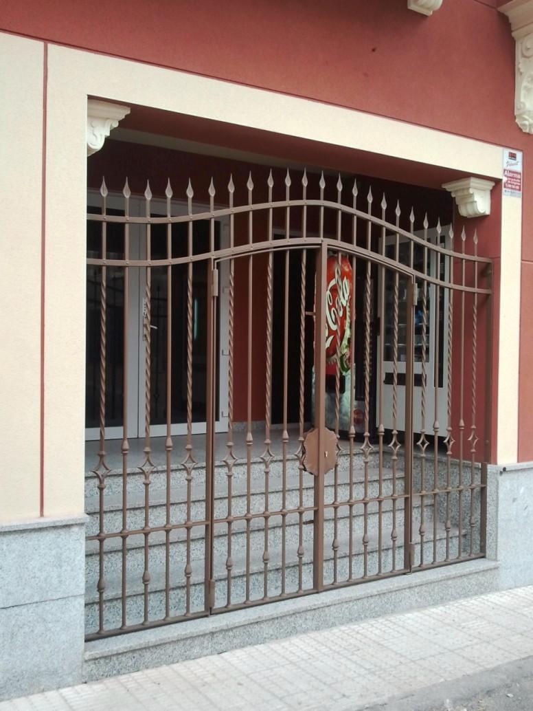 Puertas de herreria en hierro forjado tattoo design bild - Rejas de hierro forjado ...