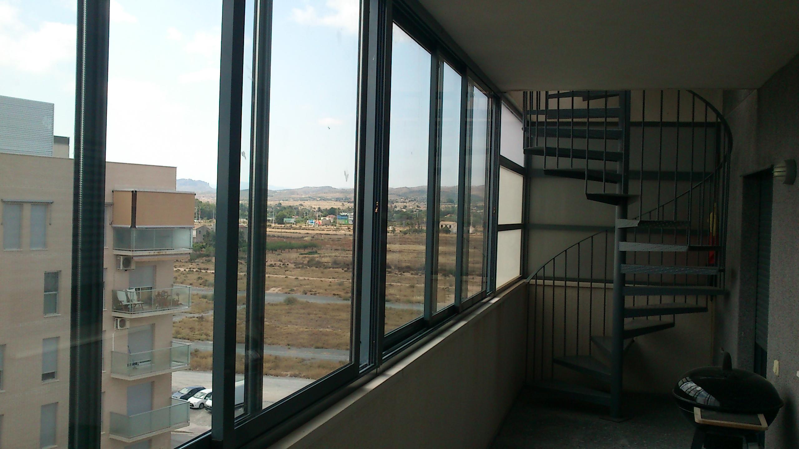 Cerramiento aluminio terraza y escalera ideas for Cerramiento aluminio terraza