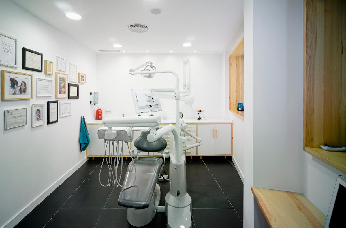 Proyecto de dise o integral para cl nica dental ideas reformas locales comerciales - Proyecto clinica dental ...