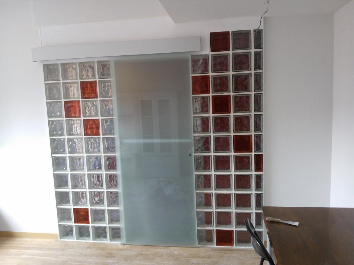 Tabique de vidrio con puerta de vidrio corredera - Puerta vidrio corredera ...