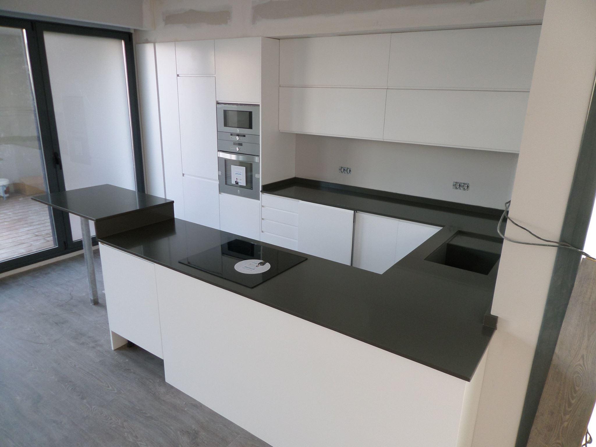 Bancada de Cocina en Silestone Cemento Spa Proyectos Marmolistas #6A5D4C 2048x1536