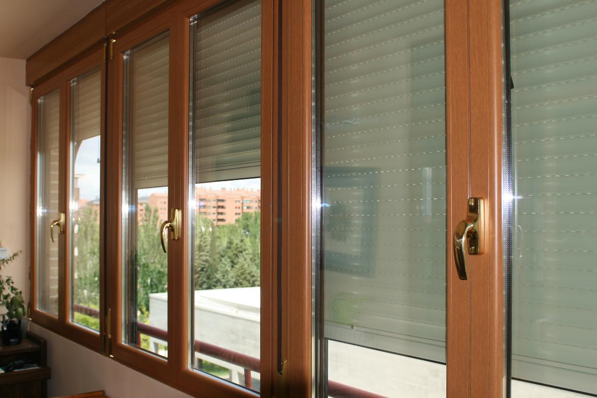 Terraza imitaci n madera ideas carpinter a aluminio for Carpinteria de aluminio precios
