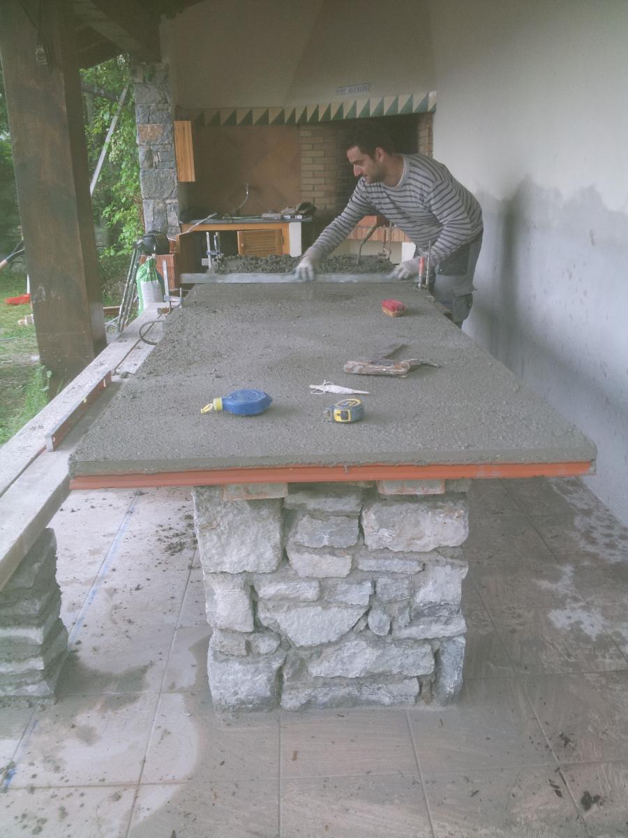 Mesa y bancos de piedra para jardin - Mesas de piedra para jardin ...