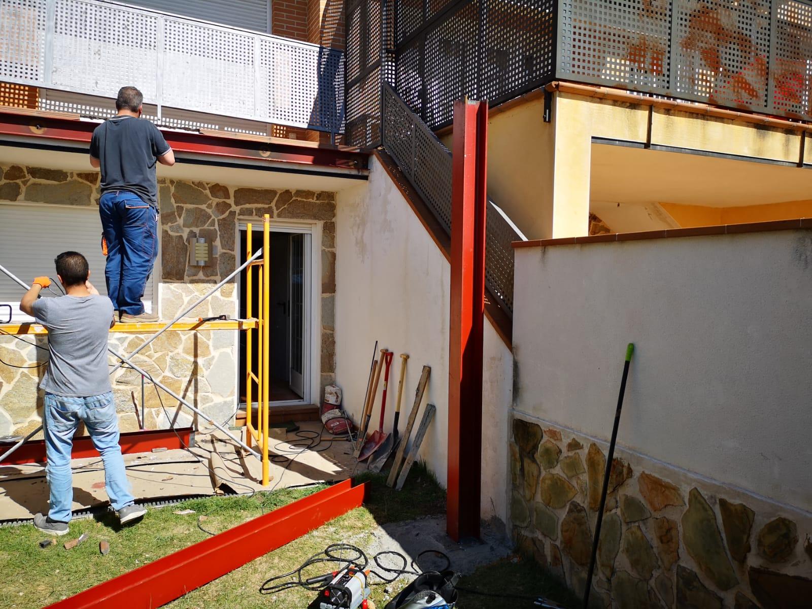 Ampliación De Terraza En Chalet En Estructura Metálica Work