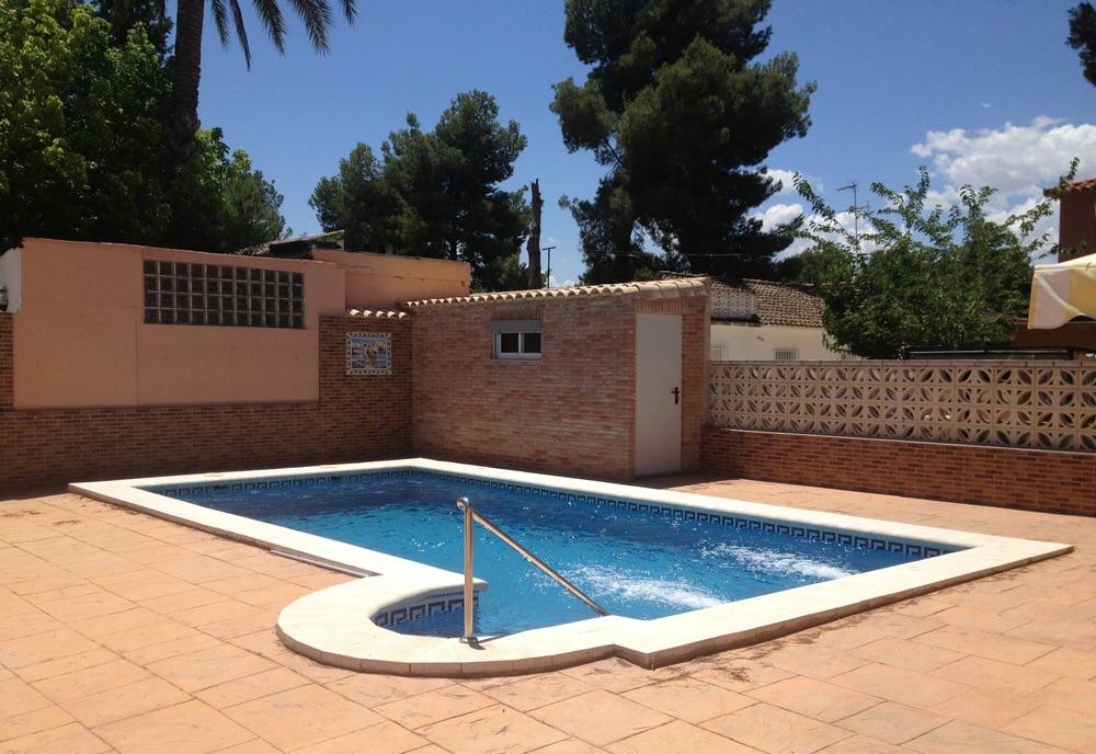 Piscina y paellero la eliana valencia ideas for Construccion piscinas valencia