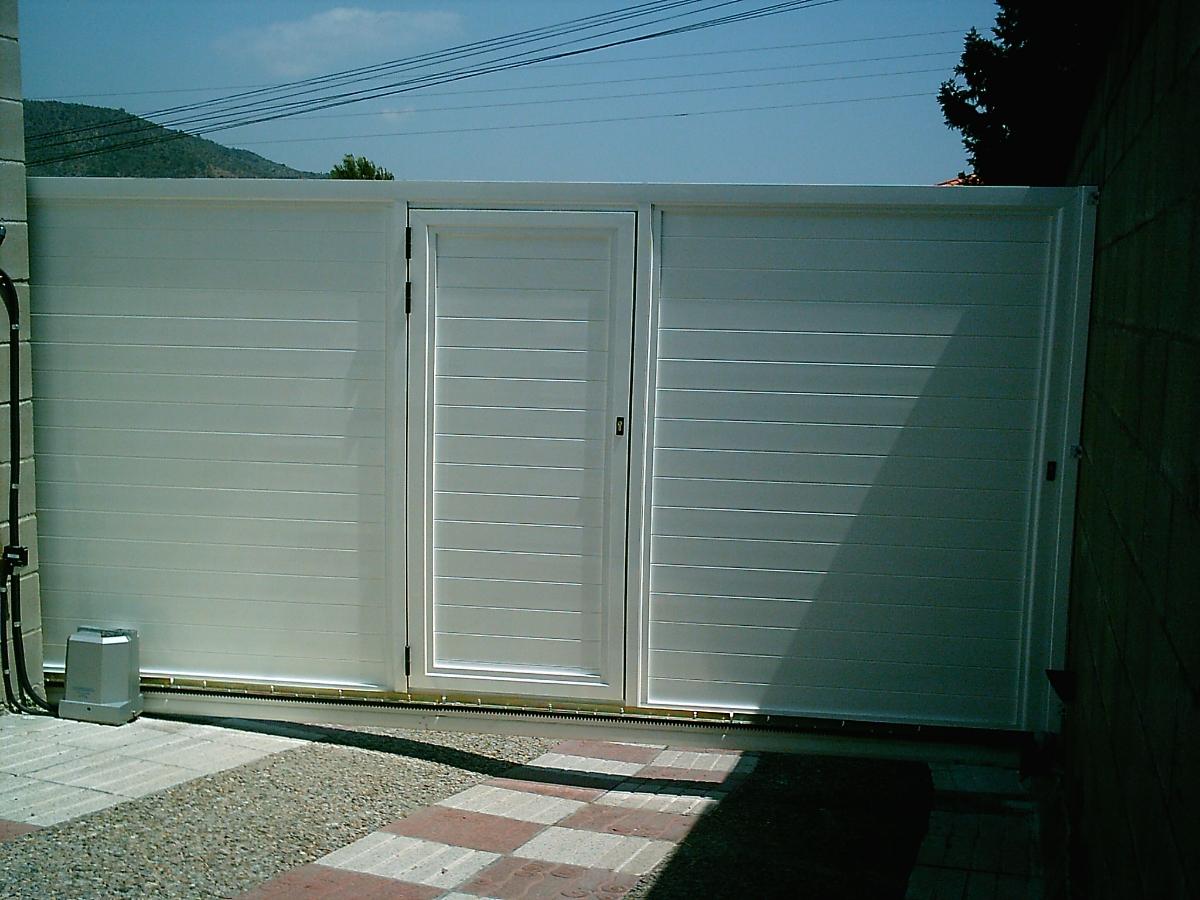Autoportante corredera en aluminio ideas puertas garaje for Garaje de ideas