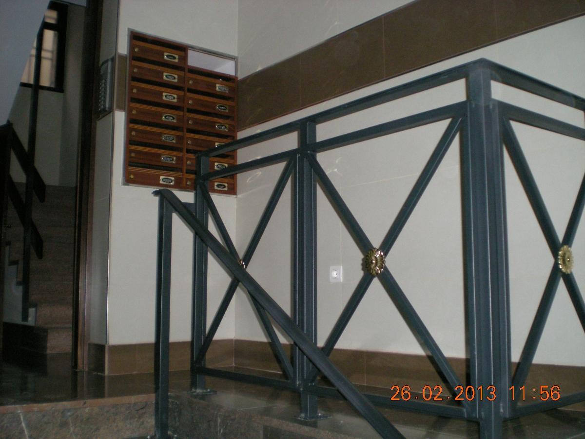 Baños Adaptados Para Ancianos:reforma-de-portal-para-instalar-silla-elevadora-minusvalidos_329664
