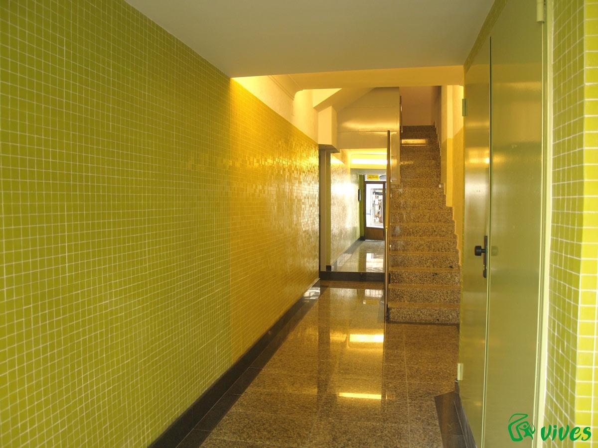 Instalaci n de ascensor y rehabilitaci n de bloque de - Reformas de pisos en zaragoza ...