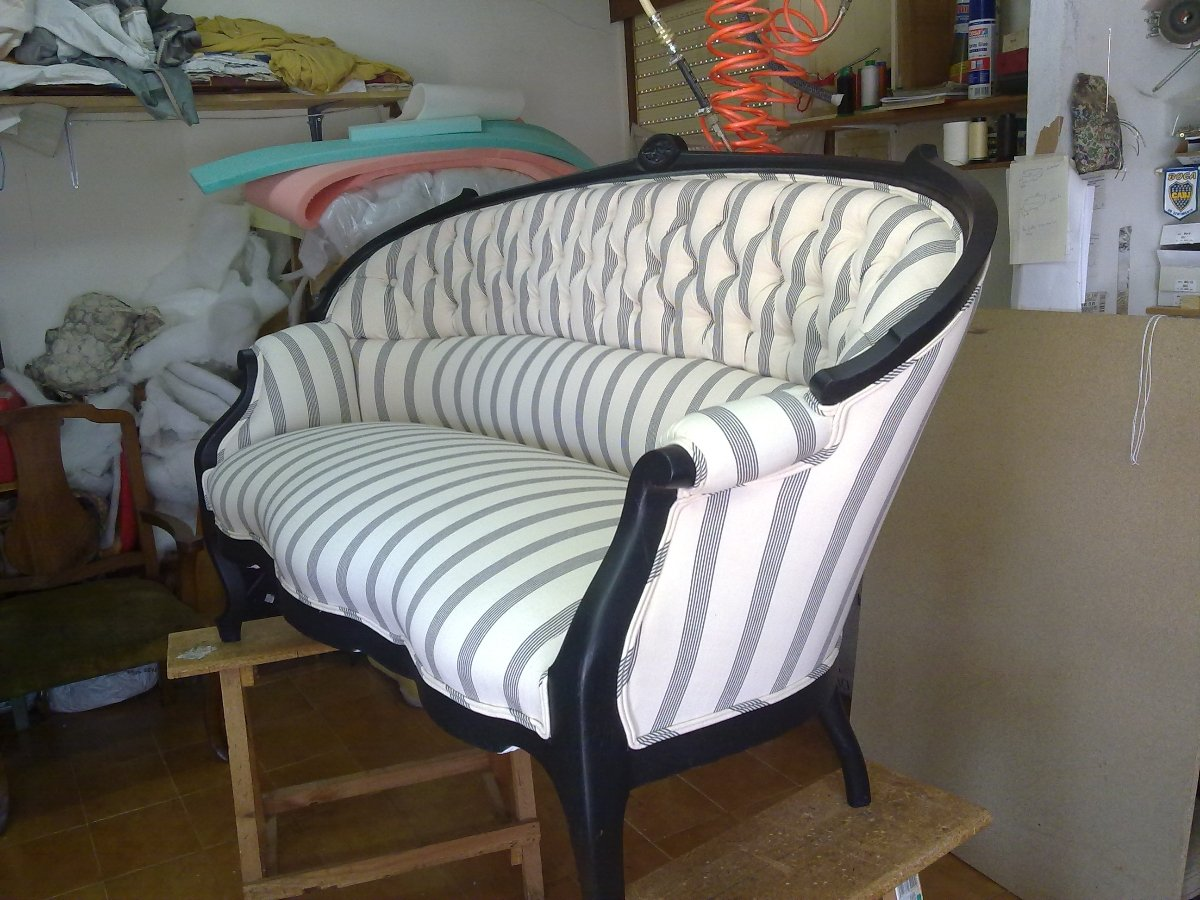 Restauraci n y tapizado sof con capiton ideas tapiceros - Como tapizar un sofa ...