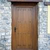 Puertas y ventanas de madera para vivienda unifamiliar