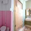 Antes y después de aseo para suite con bañera en habitación