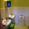 Renovar un baño completo y cambiar sanitarios en un aseo