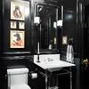 baño con iluminación en el espejo