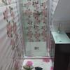 Baño de bajo escalera
