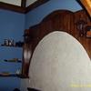 cabezero de cama en craquelado cun mural de escayola imitado a madera