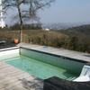 Casa con piscina abandonada
