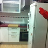 Cocina con encimera postformada