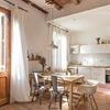 Cocina con techo de bovedilla cerámica