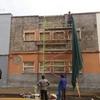 Demolición del enfoscado de la planta 1, aplicación de mortero gris y malla de fibra de vidrio.