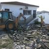 Demolición escaleras acceso oficinas y picado de Suelo