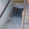 Desmontado de escaleras existentes.