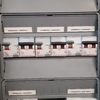 detalle cuadro final de linea, protección de sobre tensiones y distribución de cargadores