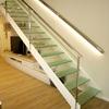 Escaleras cristal en vivienda