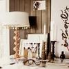 detalles en cobre y velas de madera