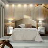 Dormitorio Blanco y madera líneas rectas.