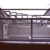 Escaleras acceso plantas superiores