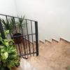 Escaleras de acceso a la terraza solarium del inmueble en Zaragoza