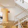 Interior casa con escaleras