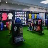 Interior de la tienda zona fútbol reformada
