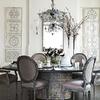 mesa de comedor en sillas tapizadas