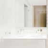 Montaje de mueble de baño y grifo