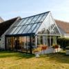 Invernadero cristal asociado a la casa
