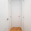 Pasillo pequeño distribuidor de habitaciones