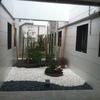 Cubierta e impermeabilización con solado posterior de patio interior de edificio de viviendas bajo el que hay local comercial que sufre goteras y huumedades
