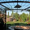 pérgola jardín mesa forja
