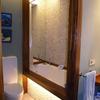 Piso Colindres uno de los baños hidro masaje