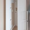Puerta acceso camuflada