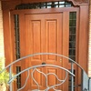 Puerta calle madera maciza