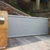 Montar 4 puertas correderas de aluminio y techo de panel sandwich acabado imitación teja