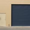 Foto: puerta garaje metálica azul