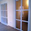 Puerta y estantería de separación de salas 2