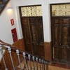 Puertas y escalera