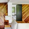 sofá de madera y en blanco